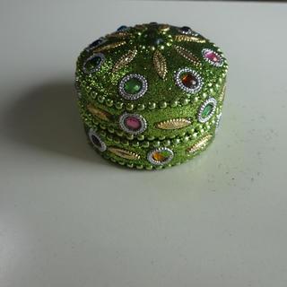 緑色の宝石箱。指輪入れ、アクセサリー入れ(小物入れ)