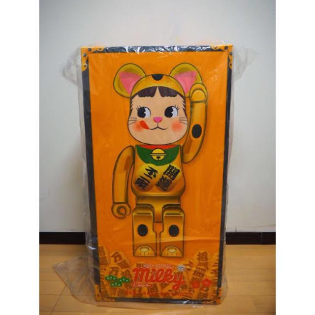 MEDICOM TOY(メディコムトイ)のBE@RBRICK 招き猫 ペコちゃん 金メッキ 1000% エンタメ/ホビーのフィギュア(その他)の商品写真
