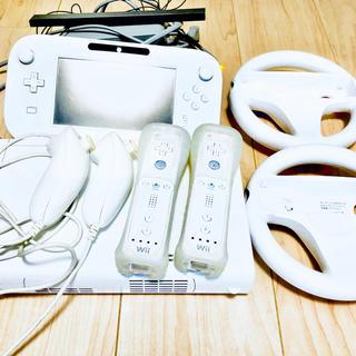 Wii U - Wii U 本体 リモコン ハンドル ヌンチャク 各2個セット