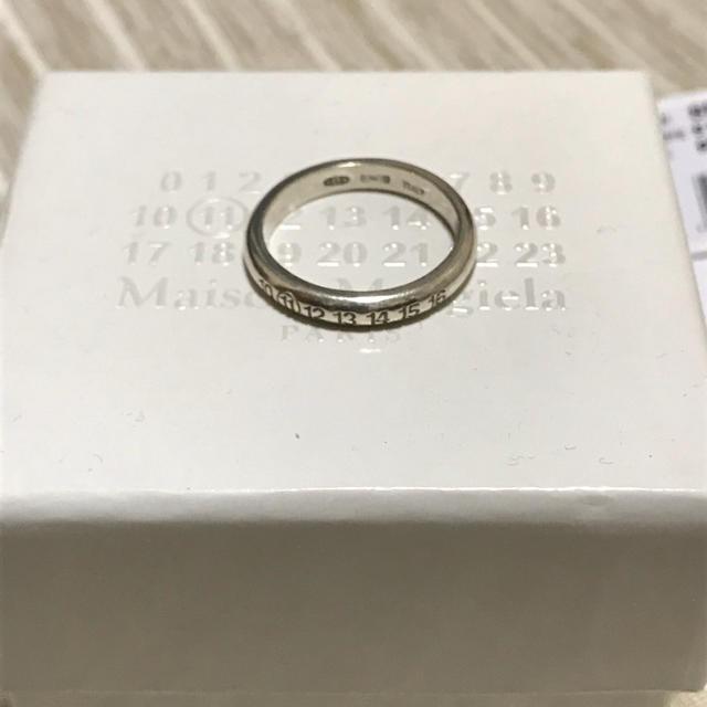 Maison Martin Margiela(マルタンマルジェラ)のカワグチジン着用 Maison Margiela 11 シルバー ピンキーリング メンズのアクセサリー(リング(指輪))の商品写真