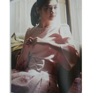 エムズグレイシー(M'S GRACY)のエムズグレイシー新品タグ付き今季AWカタログ掲載ピンクおリボン柄スカート希少42(ひざ丈スカート)