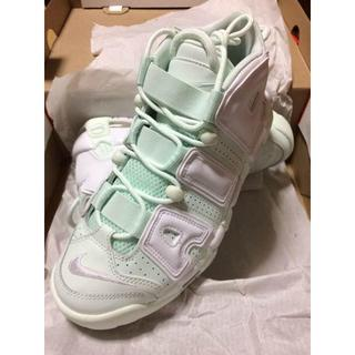 NIKE AIR MORE UPTEMPO新品未使用です(スニーカー)