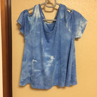 ジーユー(GU)のGU ブルー&ホワイト 肩出しTシャツ Mサイズ(Tシャツ(半袖/袖なし))