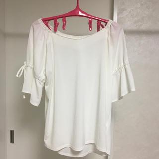 シマムラ(しまむら)のホワイト 袖リボントップス(カットソー(半袖/袖なし))