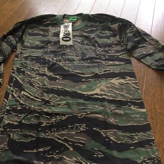 アンチヒーロー(ANTIHERO)のアンタイヒーロータイガー迷彩ロング Tシャツ(Tシャツ/カットソー(七分/長袖))