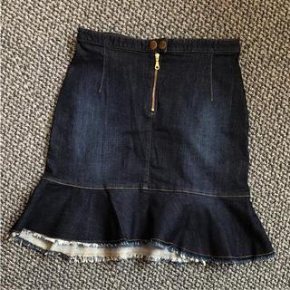 バウムウンドヘルガーデン(BAUM UND PFERDGARTEN)のBAUM UND PFERDGARTEN デニムスカート(ひざ丈スカート)