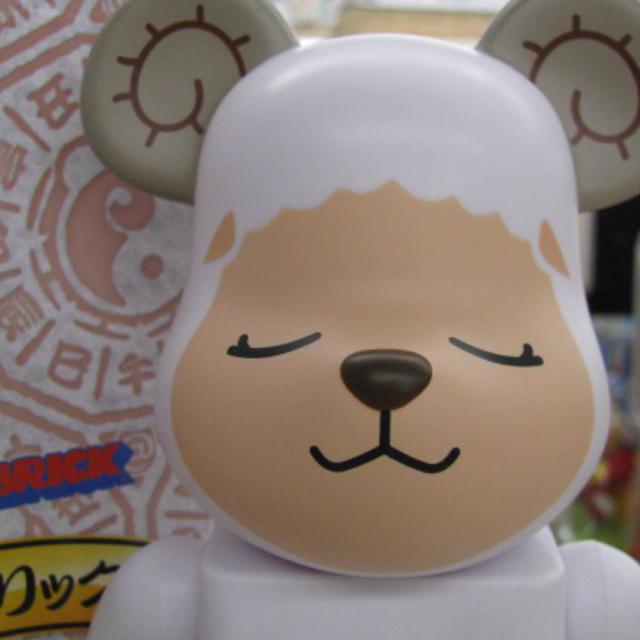ベアブリック 400% 干支 未  美品 エンタメ/ホビーのおもちゃ/ぬいぐるみ(キャラクターグッズ)の商品写真