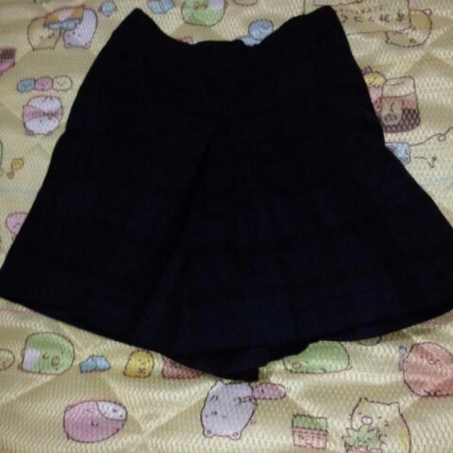 GU(ジーユー)のショートキュロットスカート120 キッズ/ベビー/マタニティのキッズ服 女の子用(90cm~)(スカート)の商品写真