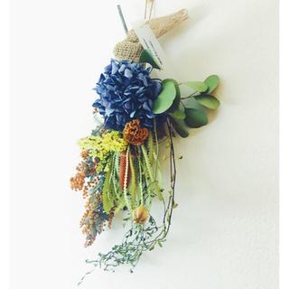 ミモザ  バンクシア 紫陽花のフローラルスワッグ(ドライフラワー)