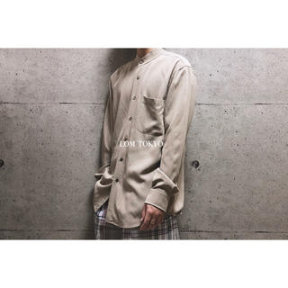 [used]matte beige stand collar shirt.(シャツ)