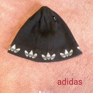 アディダス(adidas)の男女兼用 adidas/アディダス ニット帽 ビーニー 未使用 グレー✕黒!(ニット帽/ビーニー)