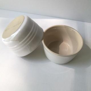 ルクルーゼ(LE CREUSET)の【美品】ル・クルーゼ ラムカンL2個セット ホワイトラスター(食器)