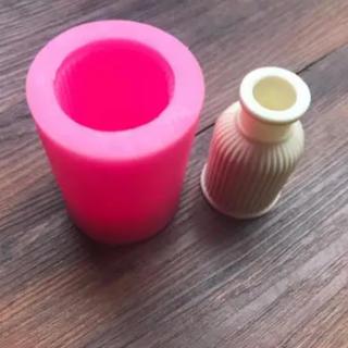 ★新品★即購入OK★シリコン モールド ストライプ 香水 花瓶 アンティーク(各種パーツ)