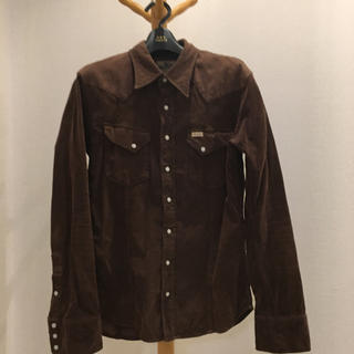 エイケイエム(AKM)のAKM×wranglerシャツ Lサイズ(シャツ)