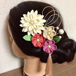 つまみ細工 髪飾り 成人式 結婚式 正絹(ヘアアクセサリー)