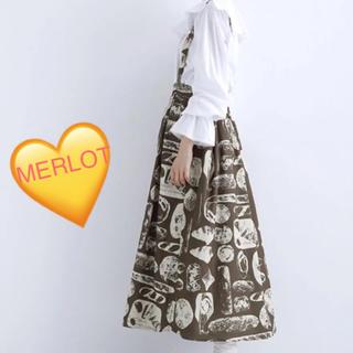 メルロー(merlot)の送料込☻新品‼︎メルロー♡パンできました柄 コーデュロイタックジャンスカ(ロングワンピース/マキシワンピース)