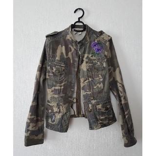 ザラ(ZARA)のZARA(ザラ)  紫の花の刺繍がお洒落&デザインもお洒落なアウター(Gジャン/デニムジャケット)