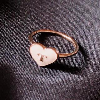 イニシャルリング ハート 白 ゴールド ピンキーリング(リング(指輪))