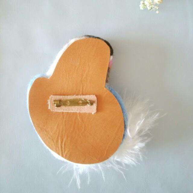 羊毛フェルト セキセイインコブローチ 男の子 ハンドメイドのアクセサリー(コサージュ/ブローチ)の商品写真