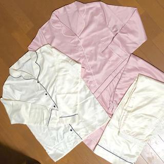 ジーユー(GU)のGU サテン パジャマ 長袖 長ズボン セット(パジャマ)
