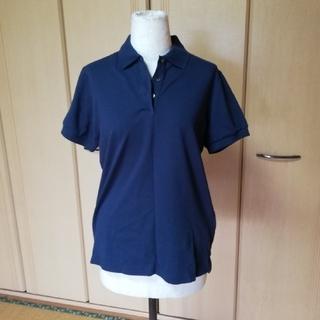 ユニクロ(UNIQLO)のネイビーポロシャツ(ポロシャツ)