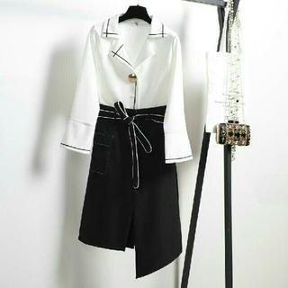 お洒落女子 大きいサイズ Vネック シャツ 不規則 スカート 2点セット(ひざ丈スカート)