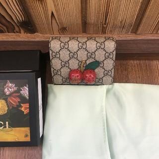 Gucci - GUCCIチェリー財布
