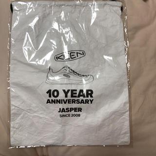 KEENの10周年 ノベリティバック