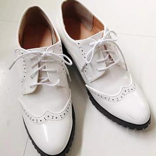 レプシィムローリーズファーム(LEPSIM LOWRYS FARM)のホワイト 靴☆(ローファー/革靴)