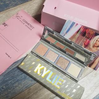 カイリーコスメティックス(Kylie Cosmetics)のKylie ハイライト pressed powder highlighter(フェイスカラー)