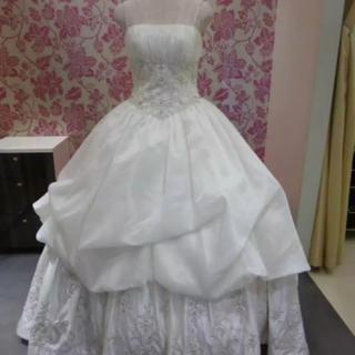 b544adf8d6b23 ブライダリウム ミュー プリンセスライン ドレス(ウェディングドレス)
