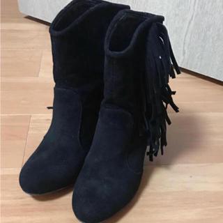 ナチュラルビューティーベーシック(NATURAL BEAUTY BASIC)のナチュラルビューティベーシック フリンジショートブーツ ブラック 新品 ZARA(ブーツ)