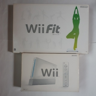 ウィー(Wii)のWii 本体  WiI Fit (家庭用ゲーム本体)