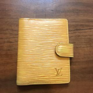 ルイヴィトン(LOUIS VUITTON)のルイヴィトン エピ カードケース イエロー(名刺入れ/定期入れ)