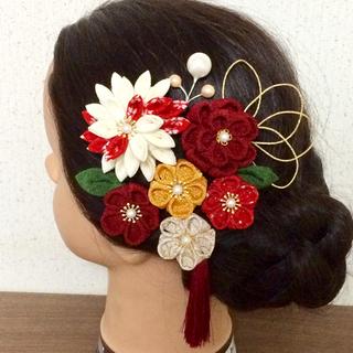 つまみ細工 髪飾り 紅白 成人式 結婚式(ヘアアクセサリー)