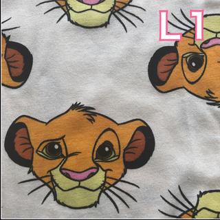 ディズニー(Disney)の【NEW】白L1 シンバ 総柄 Tシャツ (Tシャツ(半袖/袖なし))