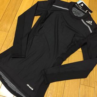 アディダス(adidas)の新品 アディダス TECHFIT CHILL ロングスリーブ 黒 Mサイズ(トレーニング用品)