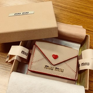 ミュウミュウ(miumiu)のMIUMIUラブレター♡ミニ財布(財布)