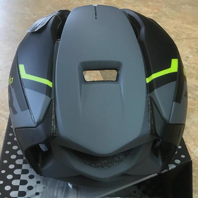 OGK(オージーケー)のOGKサイクルヘルメット シールド付『AERO- R1』L/XL 59~61cm スポーツ/アウトドアの自転車(ウエア)の商品写真
