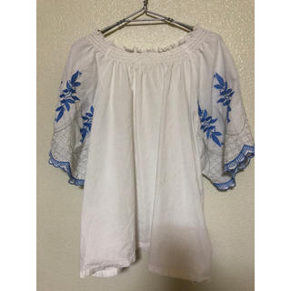 サマンサモスモス(SM2)の刺繍オフショルブラウス  サマンサモス(シャツ/ブラウス(半袖/袖なし))