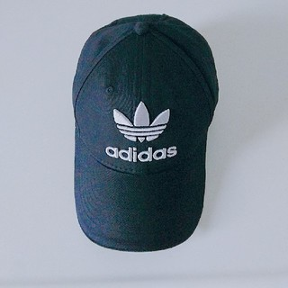 adidas - 大人気★秋キャップ adidas 刺繍 ロゴ キャップ 男女兼用 黒