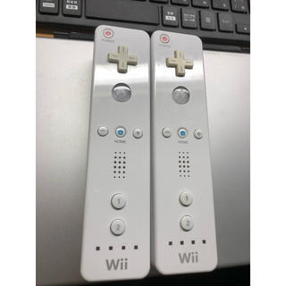 ウィー(Wii)のwii リモコン  白 2本セット(家庭用ゲーム本体)