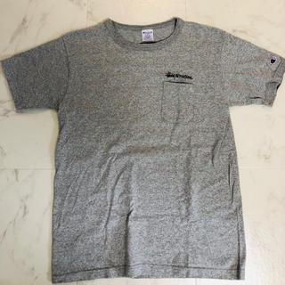 ステューシー(STUSSY)のSTUSSY× CHAMPION 限定Tシャツ Mサイズ(Tシャツ/カットソー(半袖/袖なし))