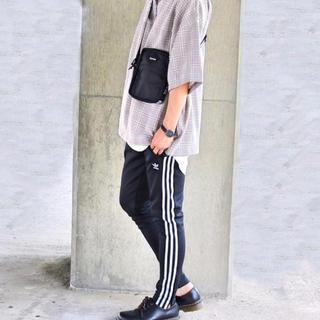 アディダス(adidas)のアディダストラックパンツ(ジャージ)