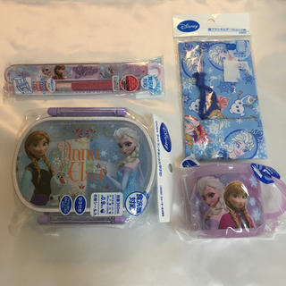 ディズニー(Disney)のR●新品●ディズニープリンセス●アナと雪の女王●ランチ4点セット(弁当用品)