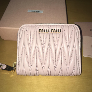 ミュウミュウ(miumiu)のミュウミュウ 新品未使用 財布 折りたたみ財布 コインケース ピンク ぴんく(財布)
