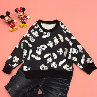 ディズニー(Disney)の☆ SALE 新品 ミッキー 総柄 トレーナー 90cm ☆(Tシャツ/カットソー)