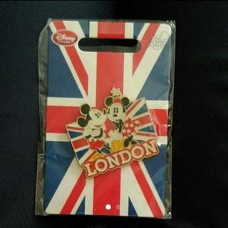 Disney - 【新品】Disney イギリス限定 ミッキー ミニーピンバッジ
