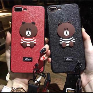 アイフォーン(iPhone)のセール 可愛い熊 スマホケース ストラップ付き(ロング&ショット)黒/赤(iPhoneケース)