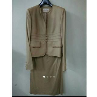 トラサルディ(Trussardi)のトラサルディ スカートスーツ(ひざ丈スカート)